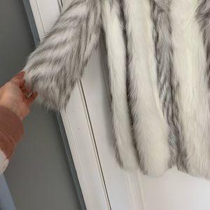 casper Jackets & Coats - Casper Gray And White Faux Fur Coat